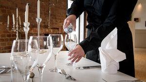 MEIKO sorgt für hygienisch rein gespülte Gläser und Flaschen im Spreespeicher Berlin