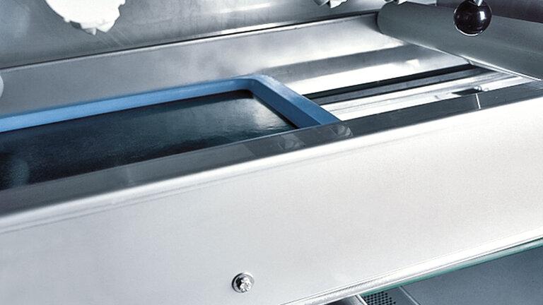 automatic tray washing system