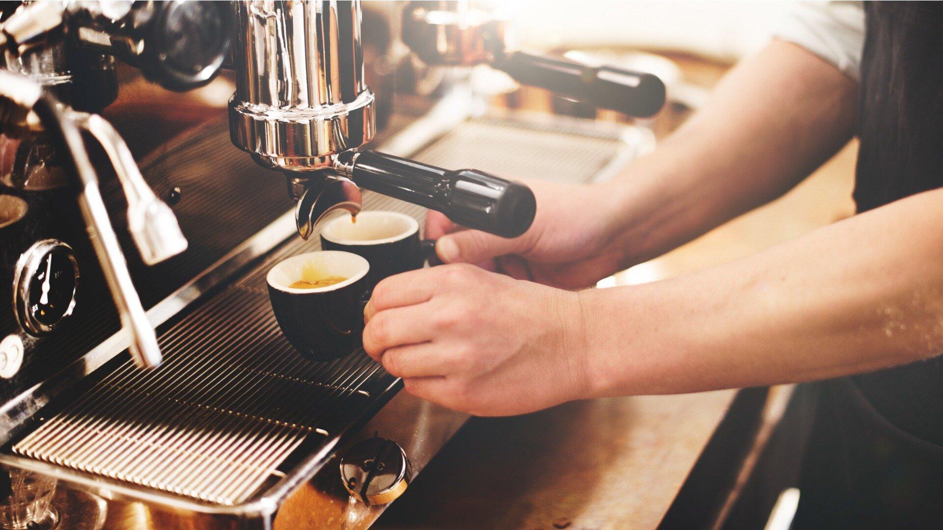 Eksploatacja i konserwacja profesjonalnego ekspresu do kawy